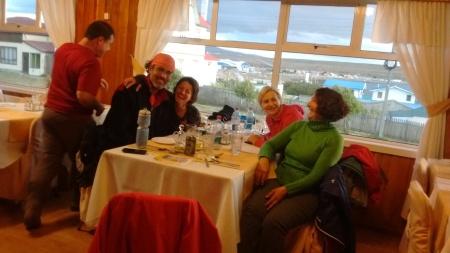 Último jantar em Porvenir, com Doris e Regina