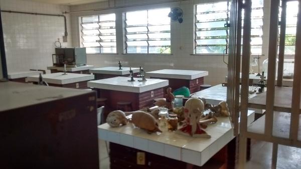 Laboratório abandonado